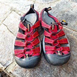 Keen Newport H2 Waterproof Burgundy Sandals Size 7